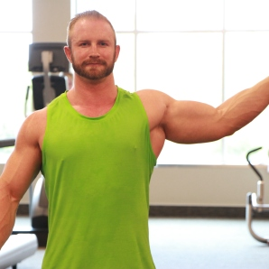Kevin beach Bicep workouts at LA Fitness (3)