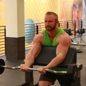 Kevin beach Bicep workouts at LA Fitness (5)