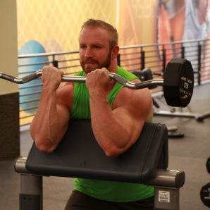 Kevin beach Bicep workouts at LA Fitness (6)