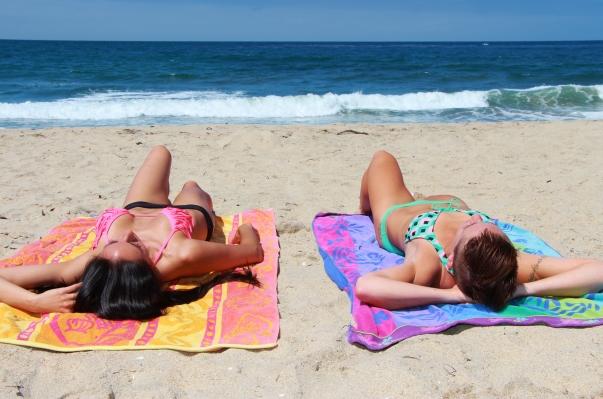 burn 1000 calories at the beach cover