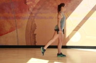 Bethay-doing-dumbbell-reverse-lunge-at-LA-Fitness-2
