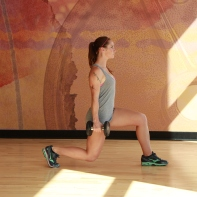 Bethay-doing-dumbbell-reverse-lunge-at-LA-Fitness-4