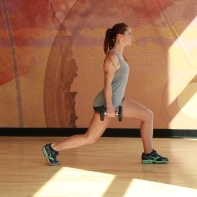 Bethay-doing-dumbbell-reverse-lunge-at-LA-Fitness-5