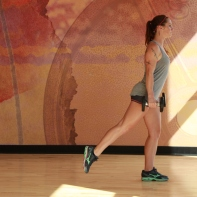 Bethay-doing-dumbbell-reverse-lunge-at-LA-Fitness-6