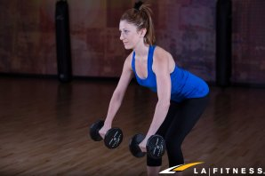 how to do a bent over row with dumbbells (2)
