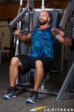 How to use the Incline Chest Press Machine at LA Fitness (2)