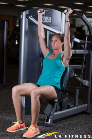 How to use the Shoulder Press Machine at LA Fitness (2)